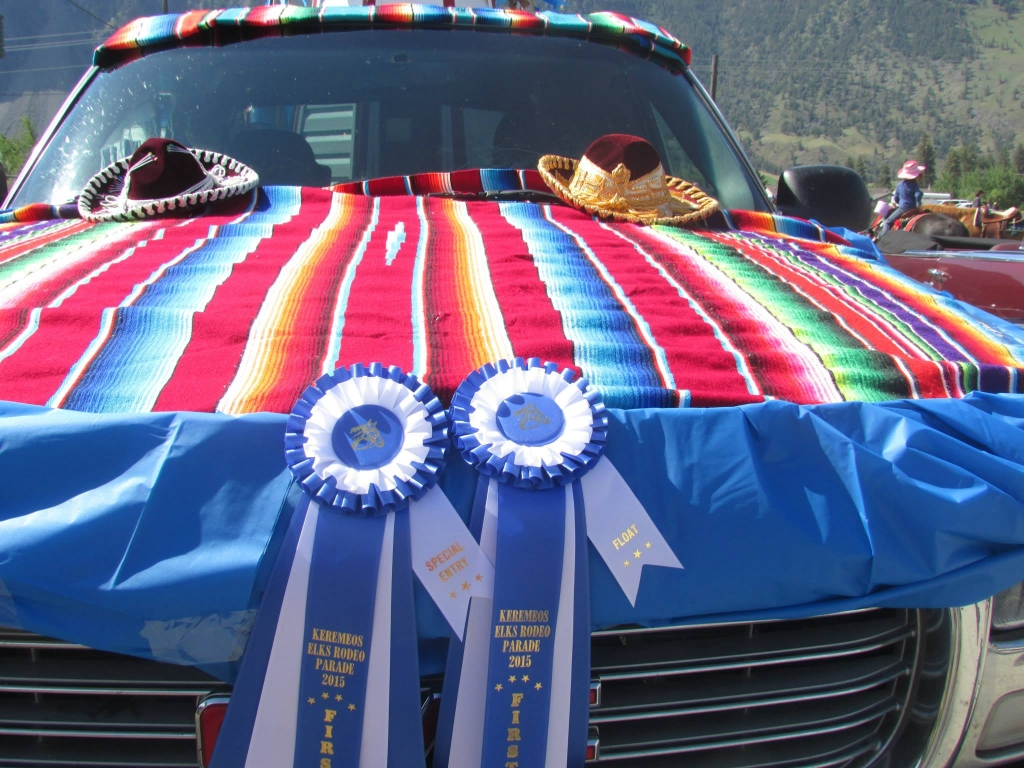 The Elfaro Society Float won two first prize ribbons for the best float and special entry.